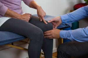 退化性關節炎的成因相當多種,但大致上源自於對於關節的過度使用